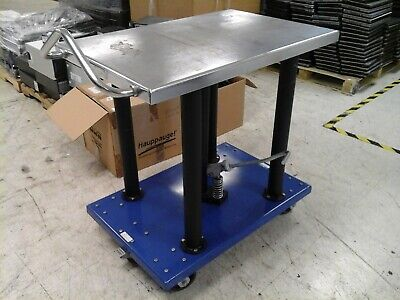 Vestil Manual Hydraulic Post Table 2000-lb Cap