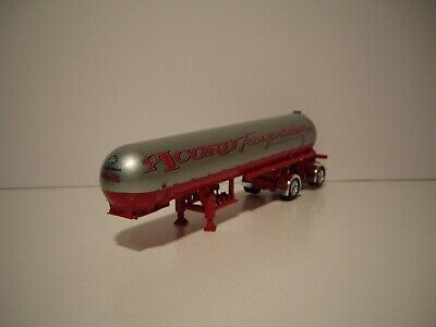 DCP 1/64 ACCORD TRANS RED AND SILVER MISSISSIPPI ANHYDROUS AMMONIA TANKER