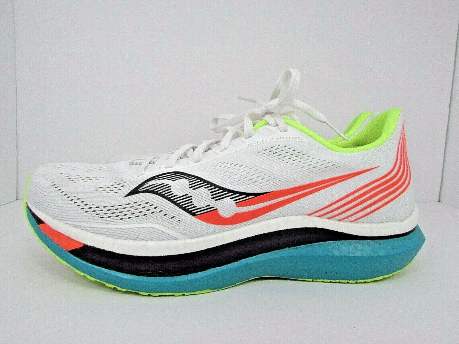 MEN'S SAUCONY ENDORPHIN PRO size 11 !!WORN LESS THAN 30 MILES! RUNNING SHOES!