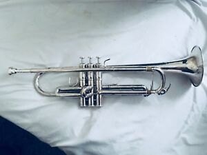 Used Yamaha YTR-6335 Bb Silver-Plated Trumpet w/ Accessories
