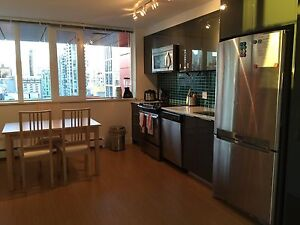 Downtown bedroom, utilities included, female only, avail. Dec 1 Downtown-West End Greater Vancouver Area image 6