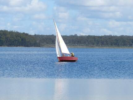 1960's Heron  Sailing Dinghy and registered Trailer
