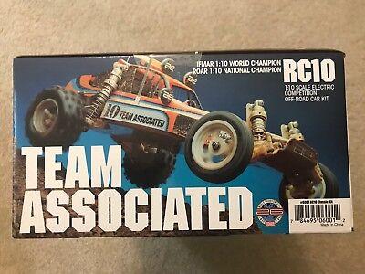 Team Associated RC10 Classic Kit NIB Re-release 6001