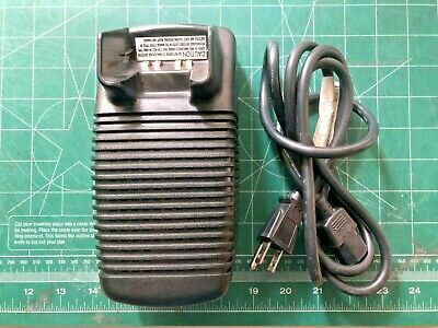 Motorola Ntn7209a Rapid Radio Charger Aa16740 Ht1000 Mt2000 Expedited Shipping