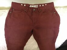 Sz 32 men's jeans from Jeanswest