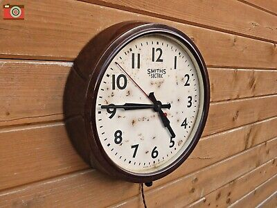 VINTAGE BAKELITE SMITHS SECTRIC WALL CLOCK. RESTORED. Fantastic Patina. Lovely