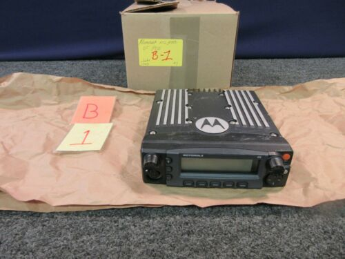 Motorola XTS 5000 05 Hess Radio Car Truck Dash Mount M20QSS0PW1AN