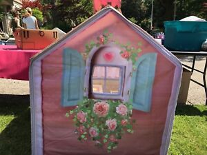 Rose petal cottage with furniture