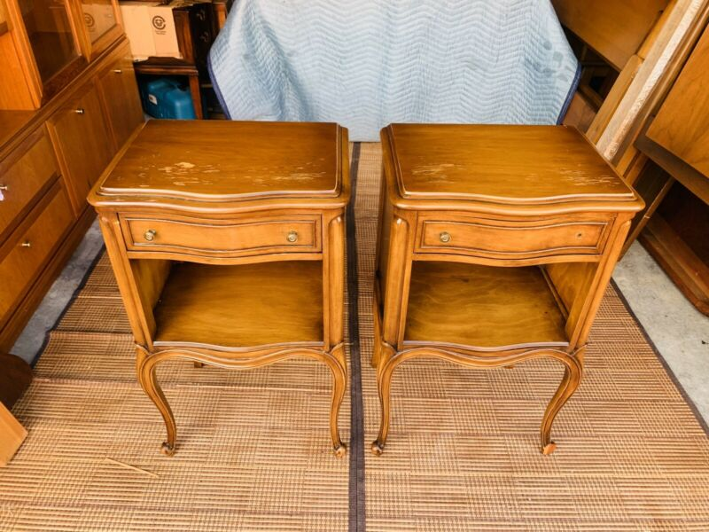 Beautiful Pair of Vintage Drexel French Provincial Bedroom Nightstands As Is