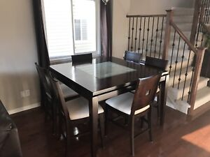 Immaculate condition dining set
