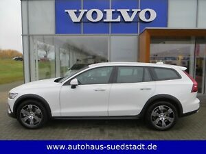 Volvo V60 Cross Country D4 AWD Geartr. ACC STANDHZG.