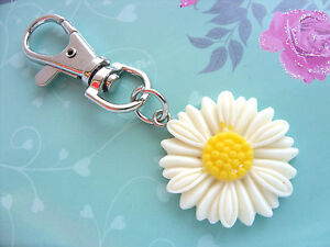 A Large White Daisy Flower Charm ( 27mm ) Keyring, Key Chain Handbag, Bag Charm