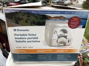 Domestic deluxe toilette portable