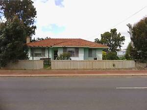 Country town retreet . ? We are open to reasonable offers . Australind Harvey Area Preview