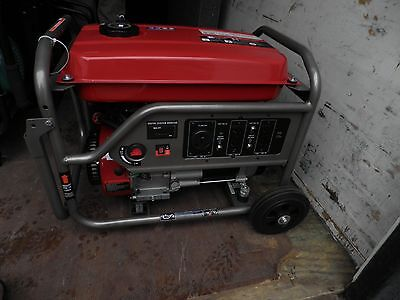BLACK MAX 3550 WATT PORTABLE GAS GENERATOR BM903500