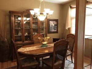 Beautiful Oak Dining room suite Excellent condition