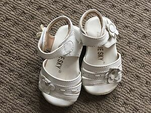 Girls shoes size 2 Cameron Park Lake Macquarie Area Preview