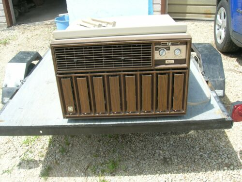 LOCAL PICKUP ONLY - Amana Window Air Conditioner 12,000 BTU - Works Good