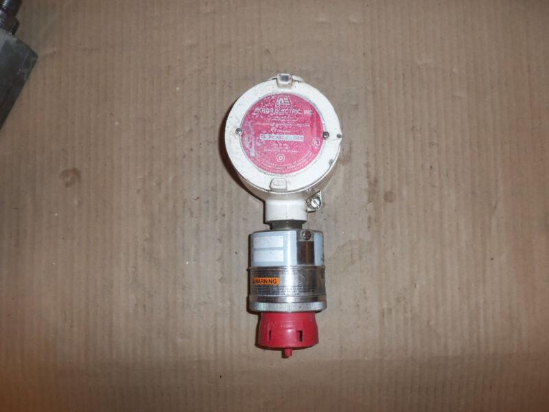 AKRON ELECTRIC CONDUIT OUTLET BOX AXC-CEN W/ SENSOR