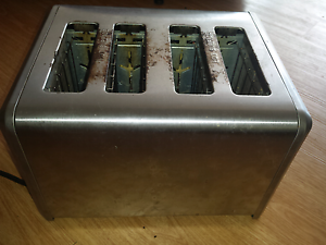 Toaster in good working condition Bray Park Pine Rivers Area Preview