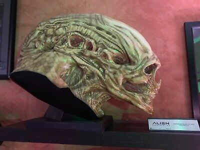 Aliens Alien Newborn Life-Size Head Prop Replica Sideshow Collectibles