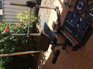 Weight bench + 135kgs (2xbars 4xdumbbells) Lynwood Canning Area Preview