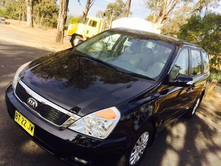 2012 KIA GRAND CARNIVAL S AUTO ONLY 90,000km