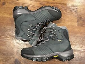 Womens Merrell hiking winter snow boots shoes size 8.5 mec