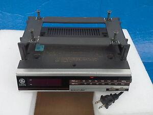 Radio encastrable sous comptoir. Général Electric.