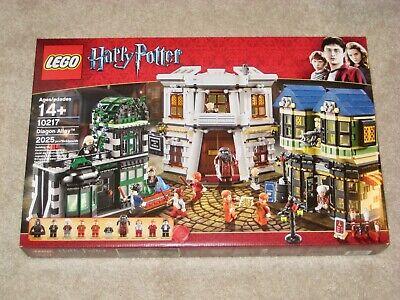 LEGO set #10217, DIAGON ALLEY, Harry Potter w/ 12 minifigures - Retired & MISB!