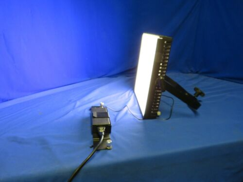 Litepanels LP-1x1 Bi-Color 3200K Flood <> 5600K Flood Light w/ power supply