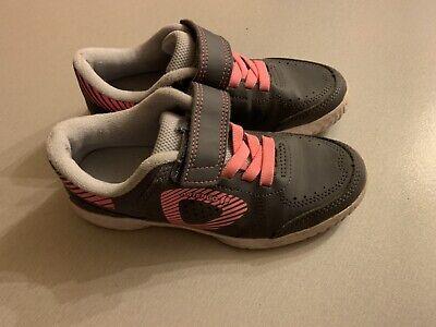 Tolle Turnschuhe Hallenschuhe Sneaker für Mädchen Klett von DECATHLON Gr. 33
