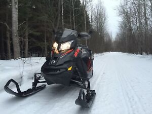 2015 Skidoo Renegade Backcountry X NEW CRATE MOTOR BY WARRANTY