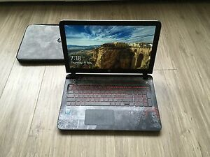 HP Star Wars laptop I5, 8GB Ram, 1TB + Star Wars case