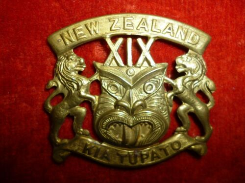 New Zealand - 19th New Zealand Reinforcements Cap Badge ANZACS
