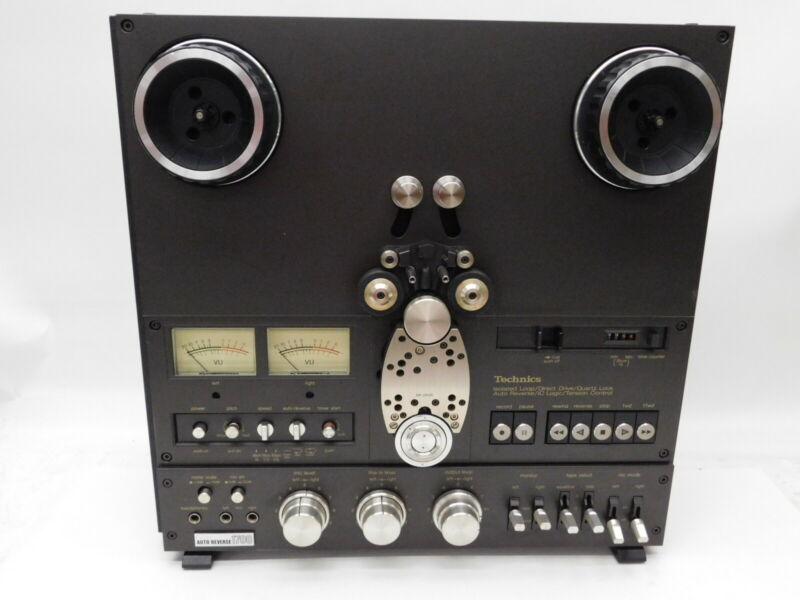 Technics RS-1700 Reel to Reel Tape Recorder Plus Cover