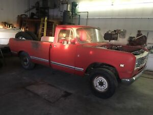 2 1975 international harvester trucks