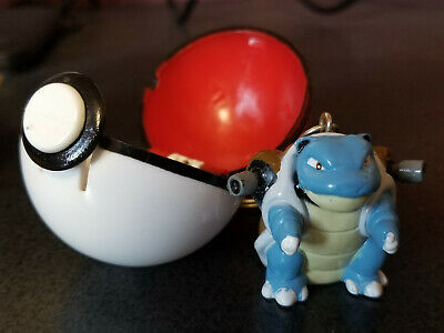 Pokemon Poke Ball keychain, Blastoise #09 1999 RARE Pokeball Basic Fun Nintendo