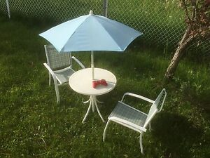 Child patio set
