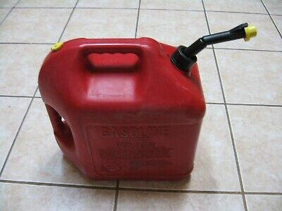 Old Style Pre Ban Blitz 5 Gallon Gas Can Self Venting Fast Pouring Spout And Cap