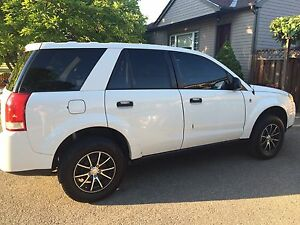 2006 Saturn Vue - White