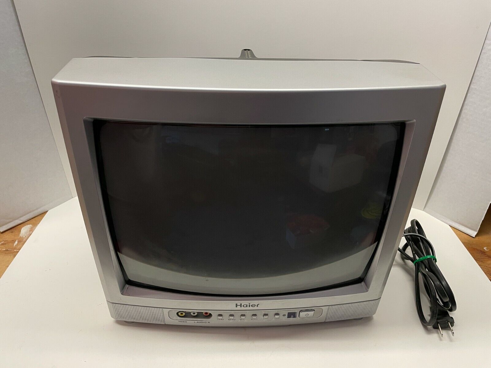 """Haier HTR-13A CRT TV - 13"""" Television - Tested Working - Per"""