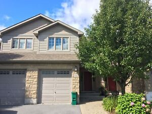 3 BED WEST END TOWNHOME! 644 Millwood Dr