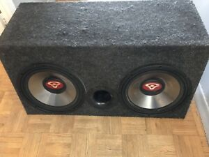2 12 inch cerwin Vega subs with box