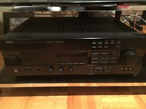 Yamaha  RX-V592 5.1 channel AV Receiver