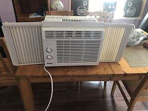 2 wndw units AC. 80$ each or 150$ for pair