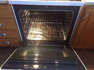 Samsung Conventional  Oven  Stove   Cornwall Ontario image 3