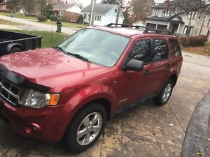 Certified* 2008 Ford Escape 4x4 W/ Extra Goodyear winter tires