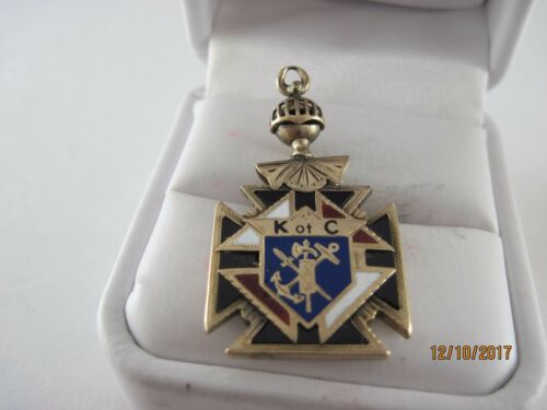 Vintage 10K knights of Columbus Pendant