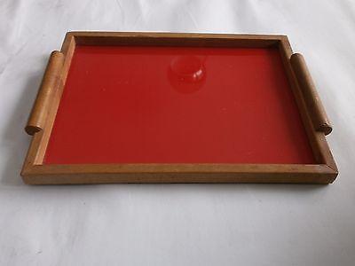 schlichtes art deco tablett rotes serviertablett